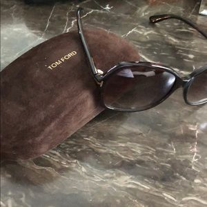 Gorgeous Tom Ford Sunglasses!!